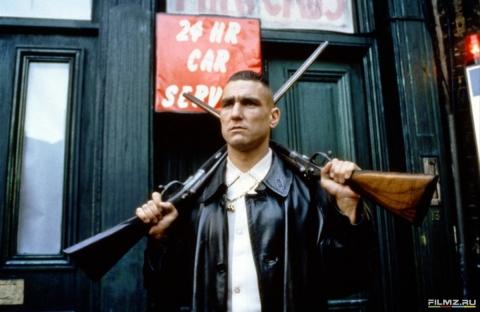кадр №20933 из фильма Карты, деньги, два ствола