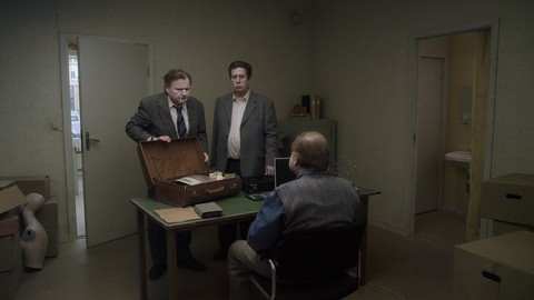 кадр №212097 из фильма Голубь сидел на ветке, размышляя о бытии
