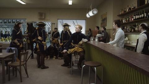 кадр №212102 из фильма Голубь сидел на ветке, размышляя о бытии