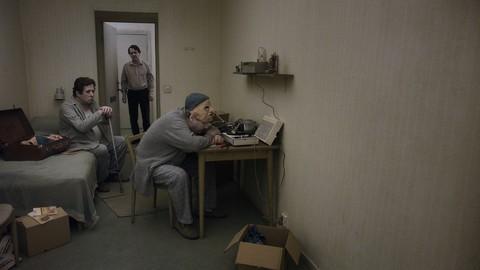 кадр №212105 из фильма Голубь сидел на ветке, размышляя о бытии