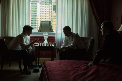 кадр №217490 из фильма Жертвуя пешкой