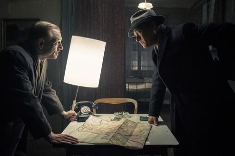 кадр №218212 из фильма Шпионский мост