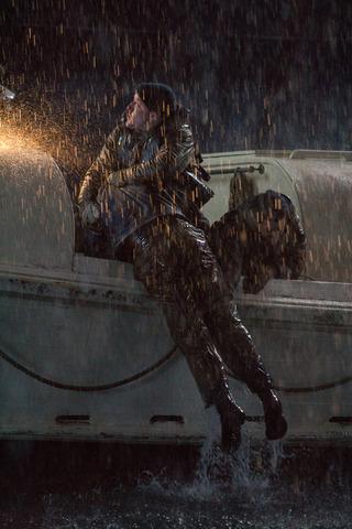 кадр №221350 из фильма И грянул шторм