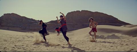 кадр №221553 из фильма Танцующий в пустыне