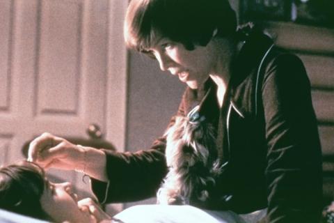 кадры из фильма Изгоняющий дьявола Эллен Берстин, Линда Блэйр,
