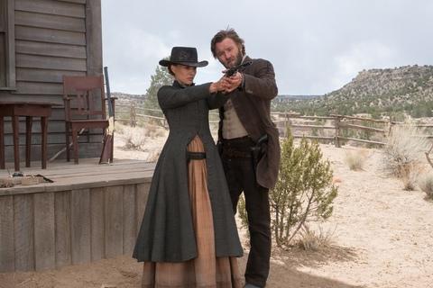 кадр №223882 из фильма Джейн берет ружье