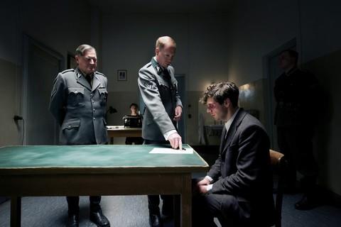 кадр №226158 из фильма Взорвать Гитлера