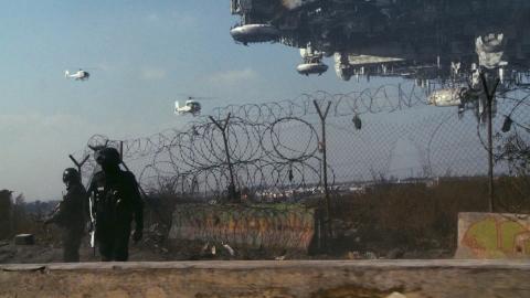 кадр №22877 из фильма Район №9