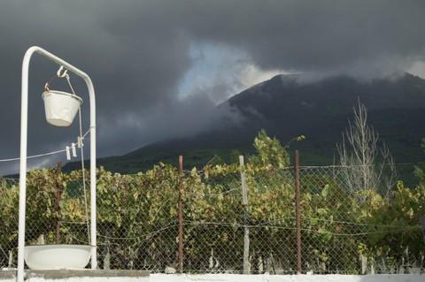 кадр №230862 из фильма Жизнь на вулкане