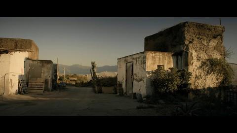 кадр №230876 из фильма Жизнь на вулкане