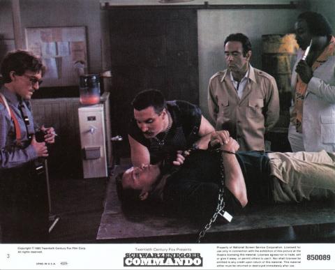 кадр №23550 из фильма Коммандо
