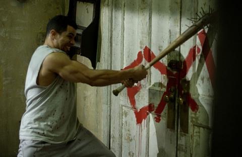 кадры из фильма Пила II