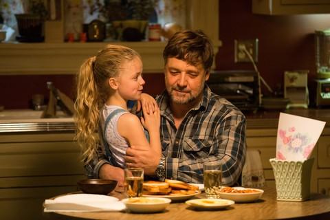 кадр №237169 из фильма Отцы и дочери
