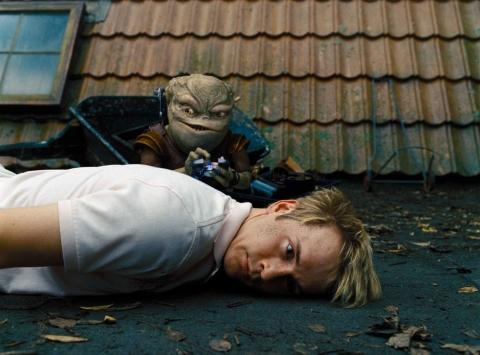 кадр №23760 из фильма Пришельцы на чердаке