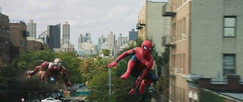 кадр №239363 из фильма Человек-паук: Возвращение домой