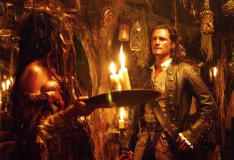 кадры из фильма Пираты Карибского моря: Сундук мертвеца Наоми Харрис, Орландо Блум,