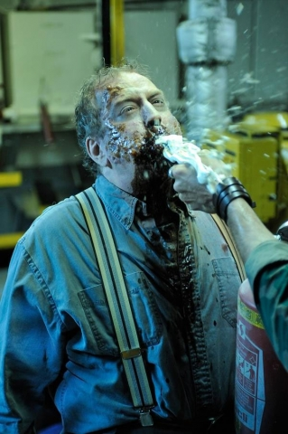 кадр №24098 из фильма Выживание мертвецов