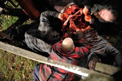 кадр №24105 из фильма Выживание мертвецов
