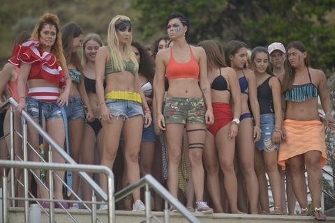 кадр №242813 из фильма Женщины против мужчин: Крымские каникулы