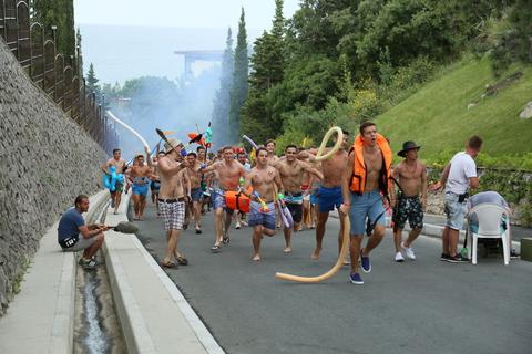 кадр №242814 из фильма Женщины против мужчин: Крымские каникулы