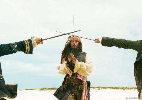 кадры из фильма Пираты Карибского моря: Сундук мертвеца Джонни Депп,