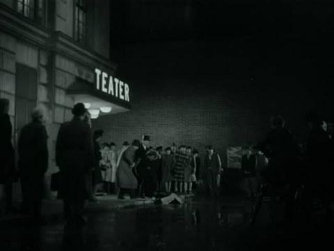 кадр №244063 из фильма Кризис