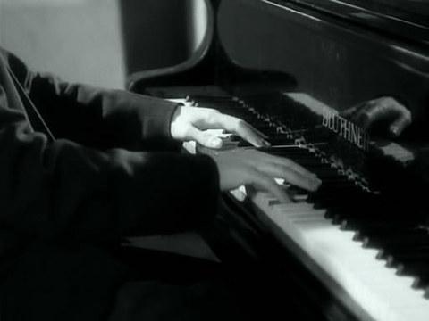 кадр №244272 из фильма Музыка в темноте