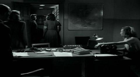 кадр №244370 из фильма Портовый город