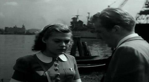 кадр №244372 из фильма Портовый город