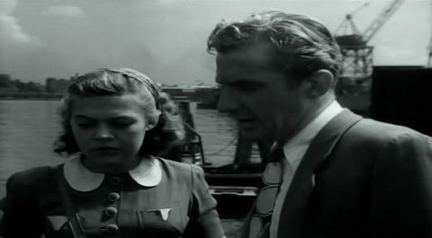 кадр №244373 из фильма Портовый город