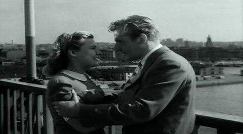 кадр №244377 из фильма Портовый город
