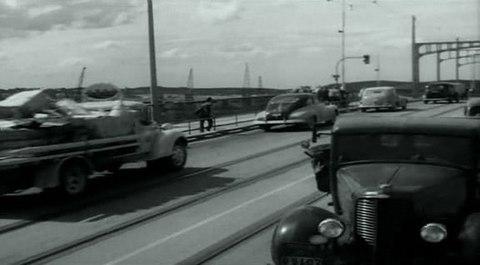 кадр №244378 из фильма Портовый город
