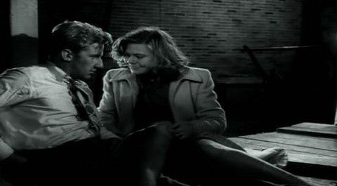кадр №244379 из фильма Портовый город