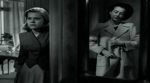 кадр №244382 из фильма Портовый город