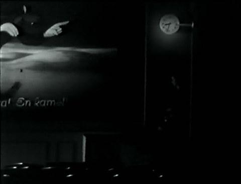 кадр №245160 из фильма Такого здесь не бывает