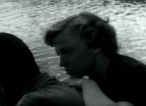 кадр №245275 из фильма Женщины ждут