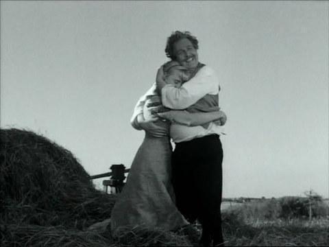 кадр №246205 из фильма Улыбки летней ночи