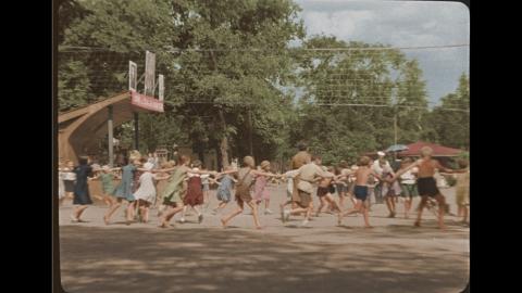 кадр №24695 из фильма Подкидыш