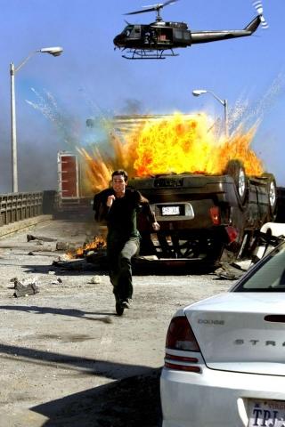 кадры из фильма Миссия: Невыполнима III Том Круз,