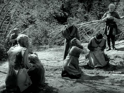 кадр №247296 из фильма Девичий источник