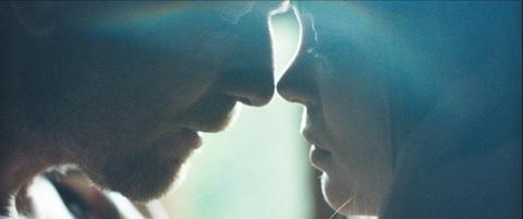 кадр №247329 из фильма Зои