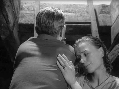 кадр №247741 из фильма Сквозь тусклое стекло