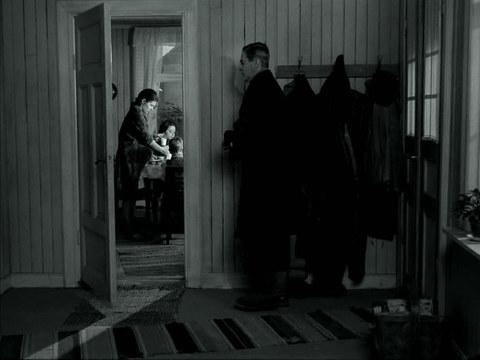 кадр №247877 из фильма Причастие