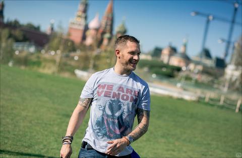фотосессия Том Харди в Москве с фильмом «Веном» Том Харди,