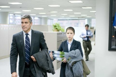 кадры из фильма Мне бы в небо Анна Кендрик, Джордж Клуни,