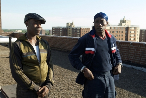 кадры из фильма Бруклинские полицейские Дон Чидл, Уэсли Снайпс,