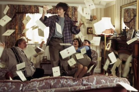 кадры из фильма Гарри Поттер и Философский камень Ричард Гриффитс, Дэниэл Рэдклифф, Фиона Шоу, Гарри Меллинг,