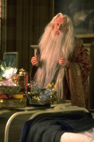 кадры из фильма Гарри Поттер и Философский камень Ричард Харрис,