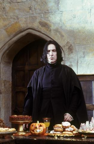 кадры из фильма Гарри Поттер и Философский камень Алан Рикман,