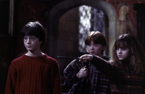 кадры из фильма Гарри Поттер и Философский камень Дэниэл Рэдклифф, Руперт Гринт, Эмма Уотсон,